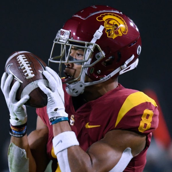 Amon-Ra St. Brown of the USC Trojans makes a touchdown catch in the PAC 12 2020 Football Championship at United Airlines Field at the Coliseum on December 18, 2020 in Los Angeles, California. (Harry How/Getty Images)