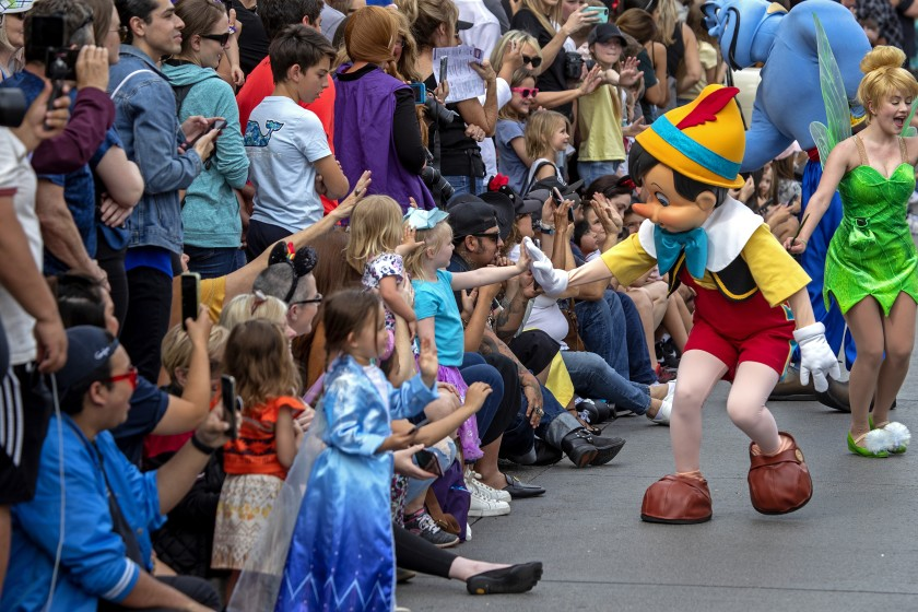 California announced new rules Friday that will allow theme parks like Disneyland to reopen sooner. (Allen J. Schaben / Los Angeles Times)
