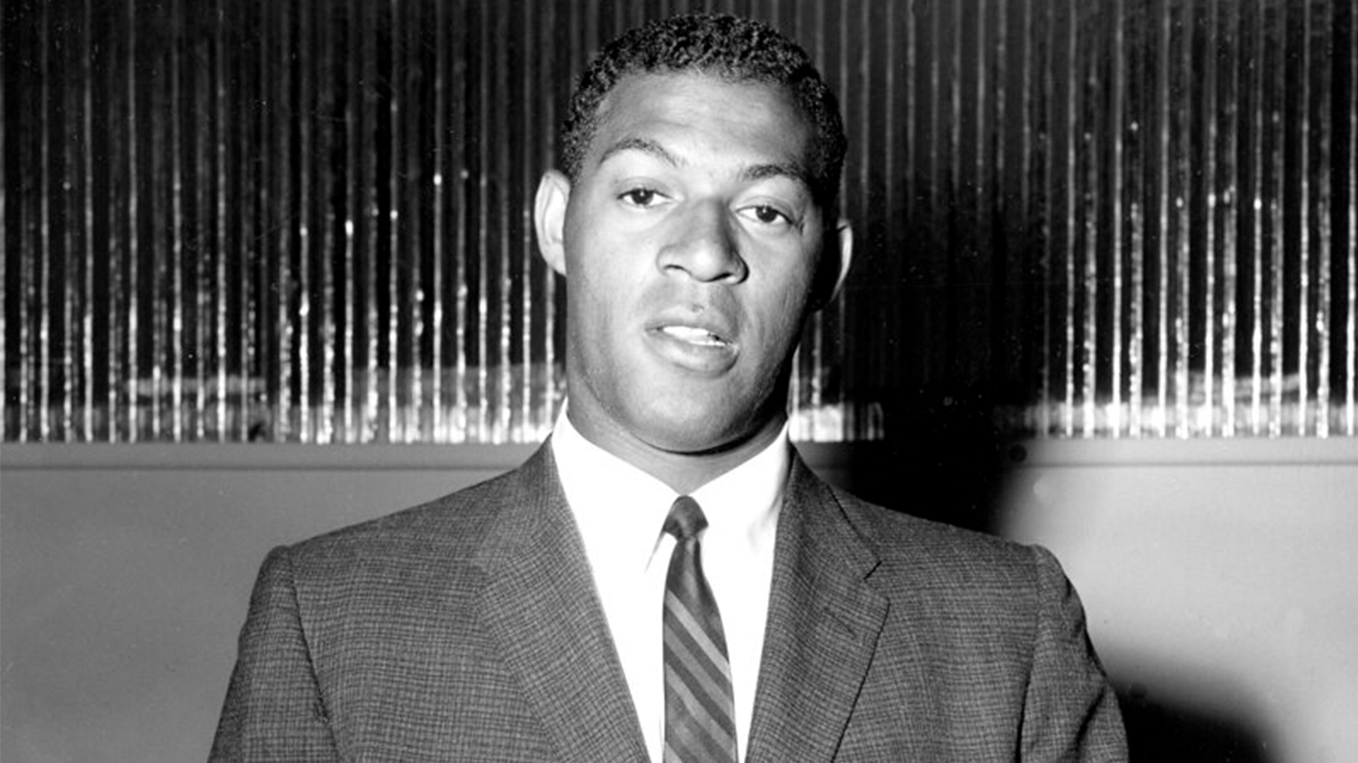 Elgin Baylor is shown during an NBA signing event in Minneapolis on June 14, 1958. (AP Photo)