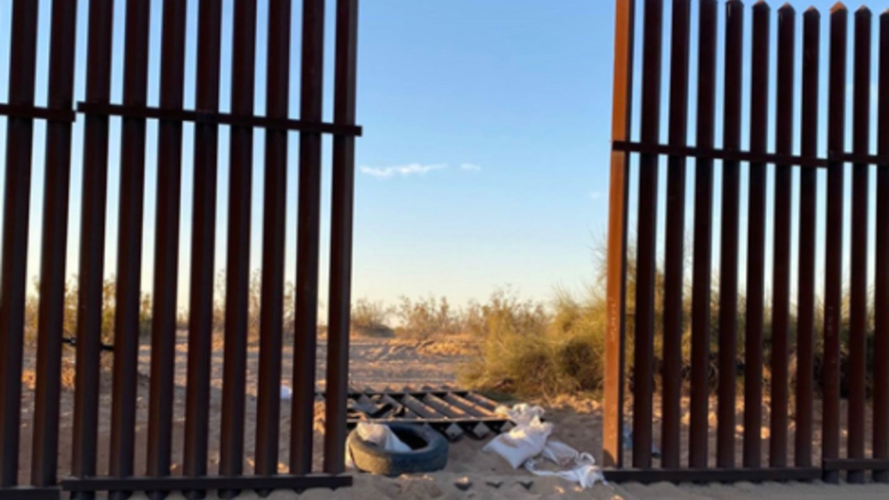 SUV came through hole in border fence prior to Imperial County crash that killed 13 - KTLA Los Angeles