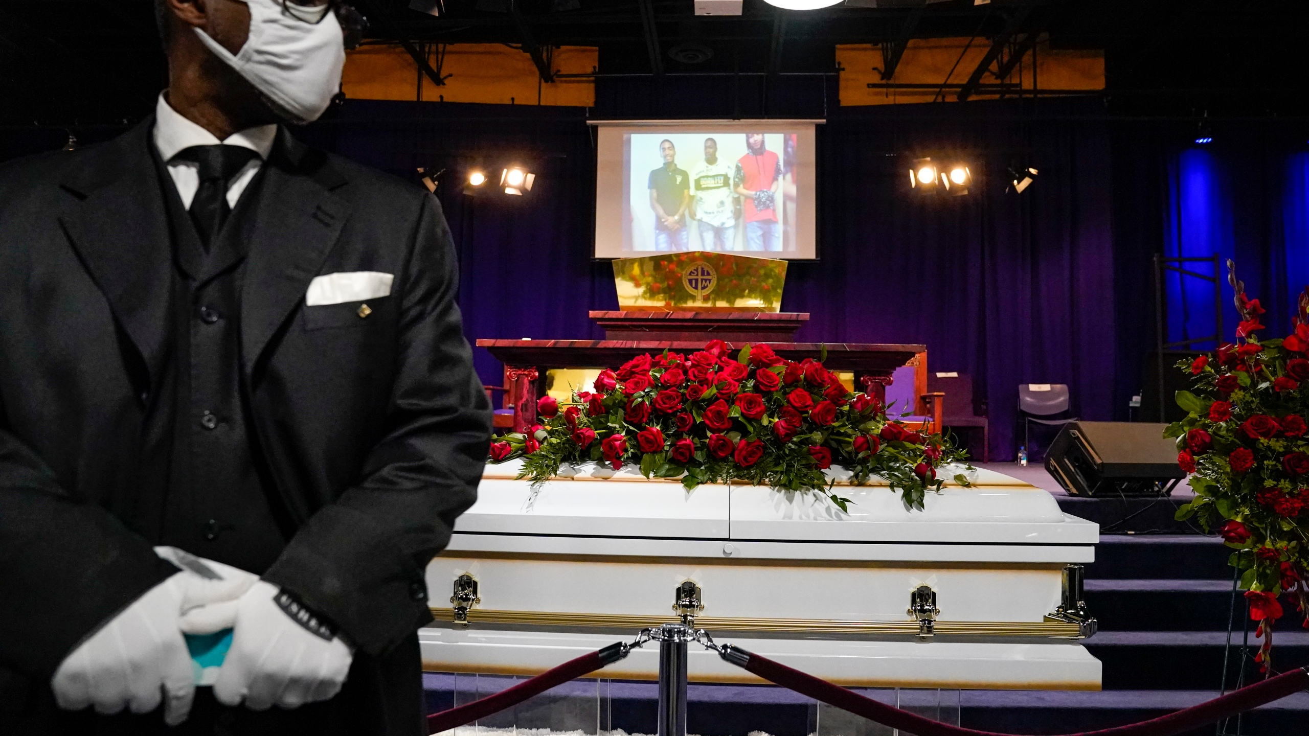 The casket of Daunte Wright rests in place before funeral services at Shiloh Temple International Ministries in Minneapolis on April 22, 2021. (John Minchillo, Pool)