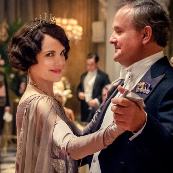 """This image released by Focus Features shows Elizabeth McGovern, left, as Lady Grantham and Hugh Bonneville, as Lord Grantham, in """"Downton Abbey"""". (Jaap Buitendijk/Focus Features via AP)"""