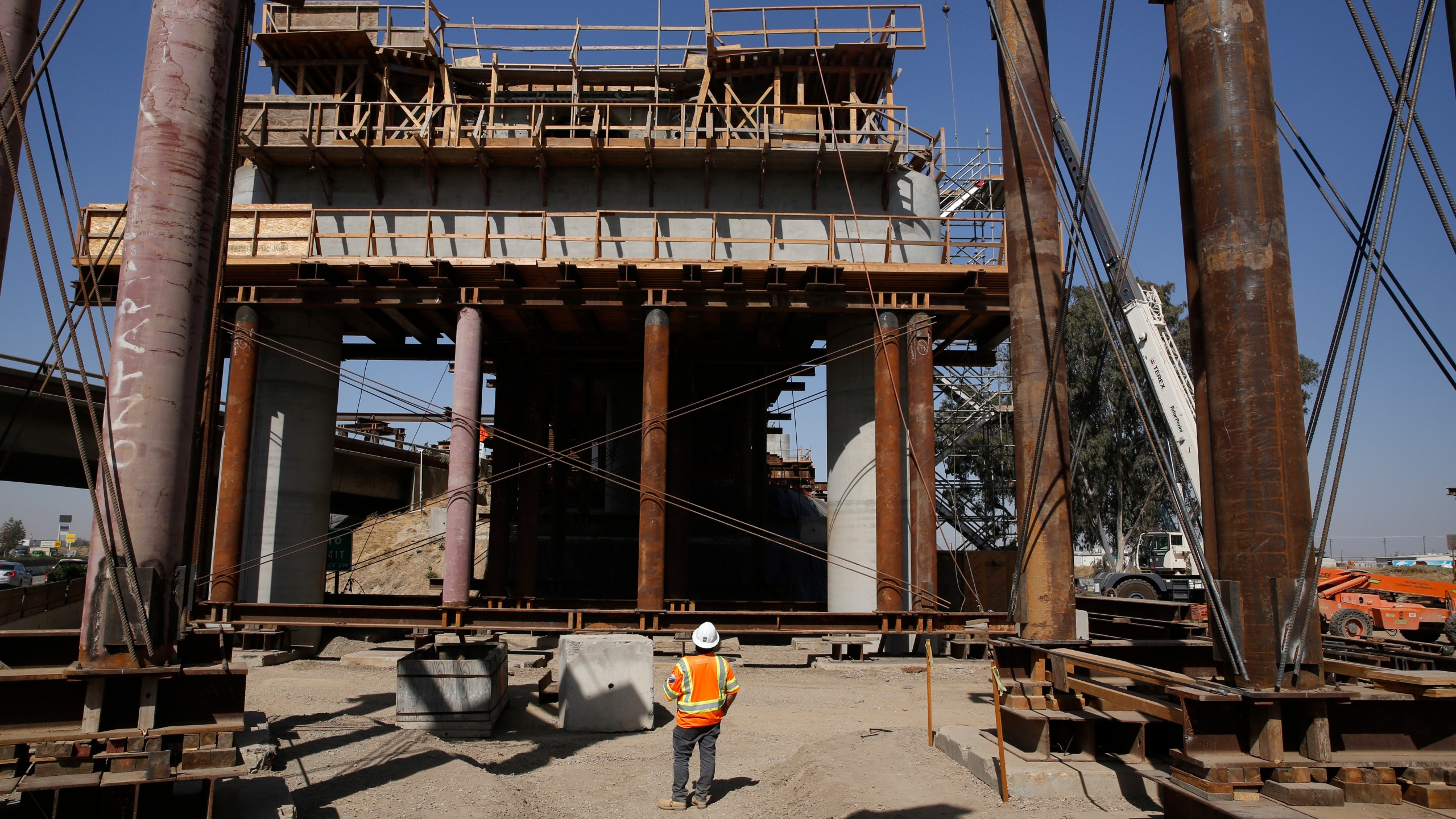 The high-speed rail viaduct that will cross over Highway 99 is seen under construction in Fresno on Oct. 9, 2019. (Rich Pedroncelli / Associated Press)