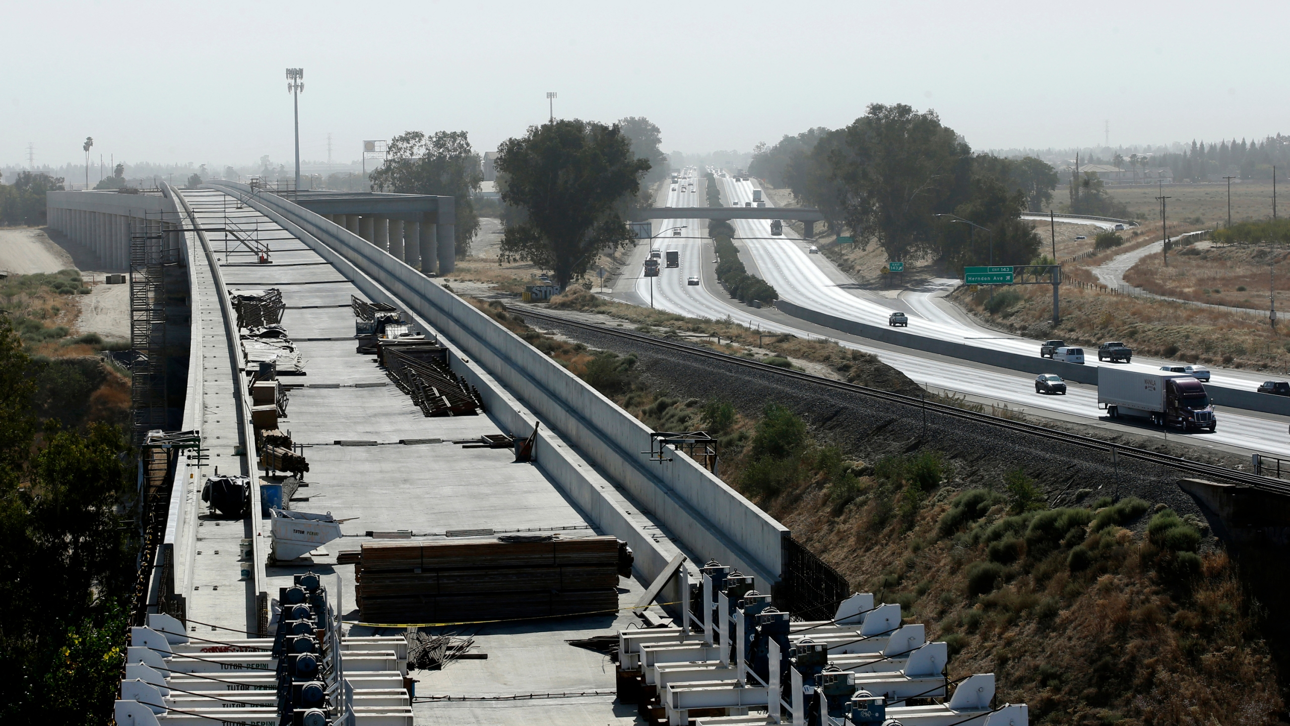 The high-speed rail viaduct paralleling Highway 99 near Fresno, Calif., is seen on Oct. 9, 2019. (Rich Pedroncelli / Associated Press)