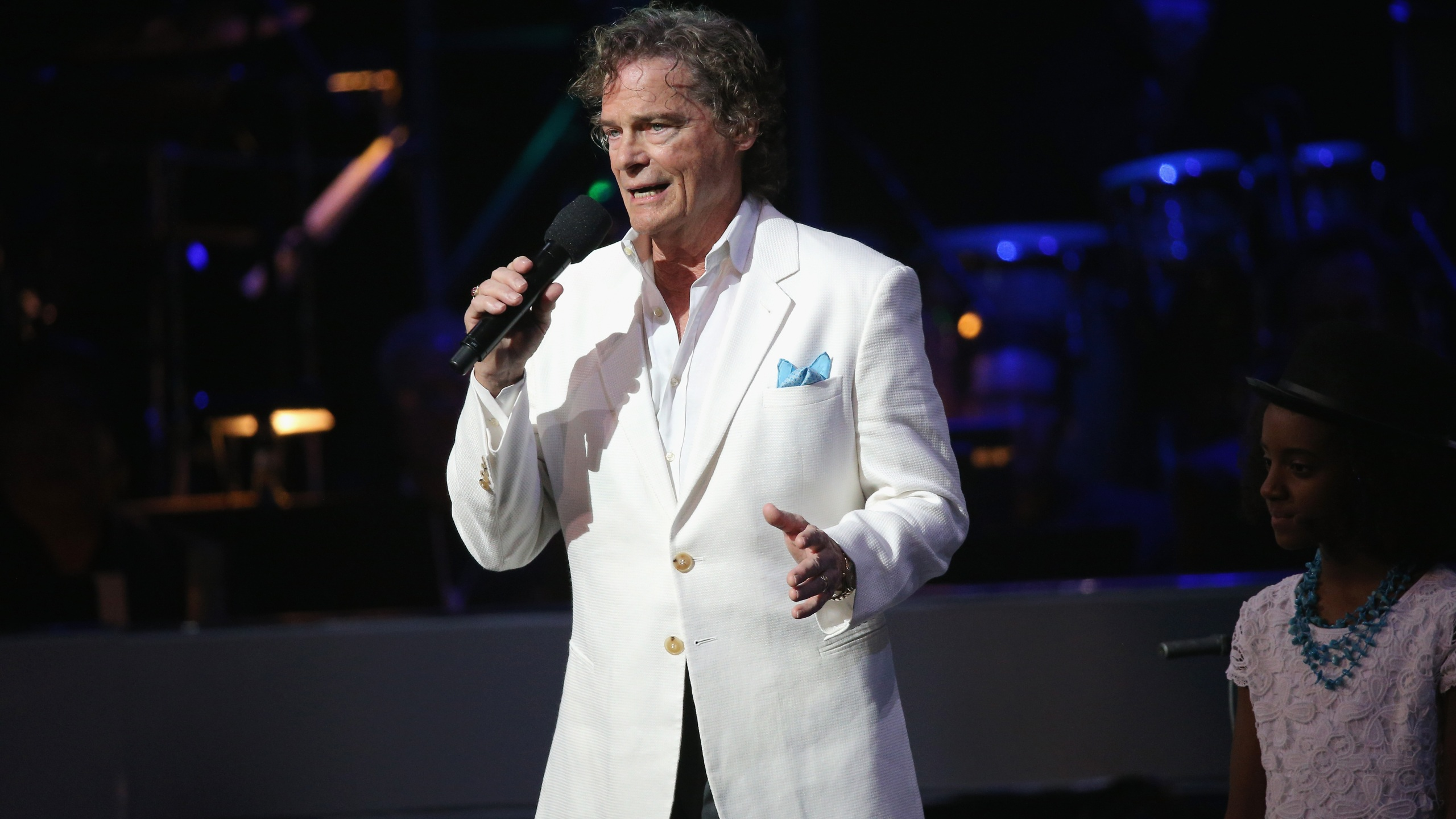 HOLLYWOOD, CA - MAY 14: Recording Artist B. J. Thomas performs onstage during the SeriousFun Children's Network 2015 Los Angeles Gala: An Evening Of SeriousFun celebrating the legacy of Paul Newman on May 14, 2015 in Hollywood, California. (Photo by Imeh Akpanudosen/Getty Images for SeriousFun Children's Network)
