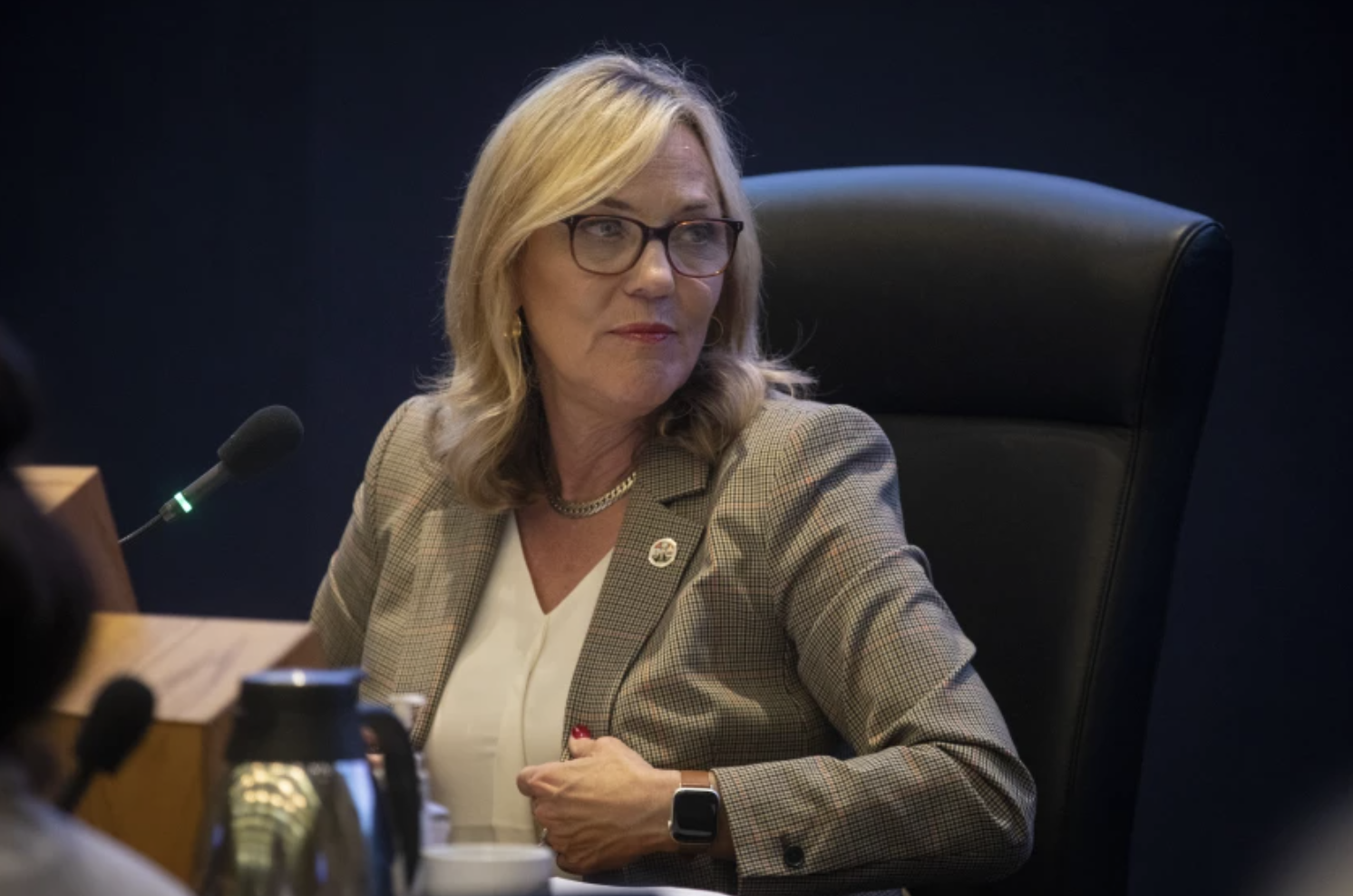 L.A. County Supervisor Kathryn Ann Barger broke ranks with county public health officials this week and called on Gov. Gavin Newson to follow more relaxed guidelines set by federal officials regarding the wearing of masks. (Francine Orr / Los Angeles Times)