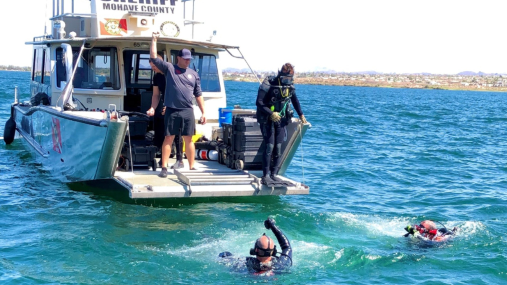 Divers attempt to recover the body of a 16-year-old boy who drowned in Lake Havasu. (Mohave County Sheriff's Office)