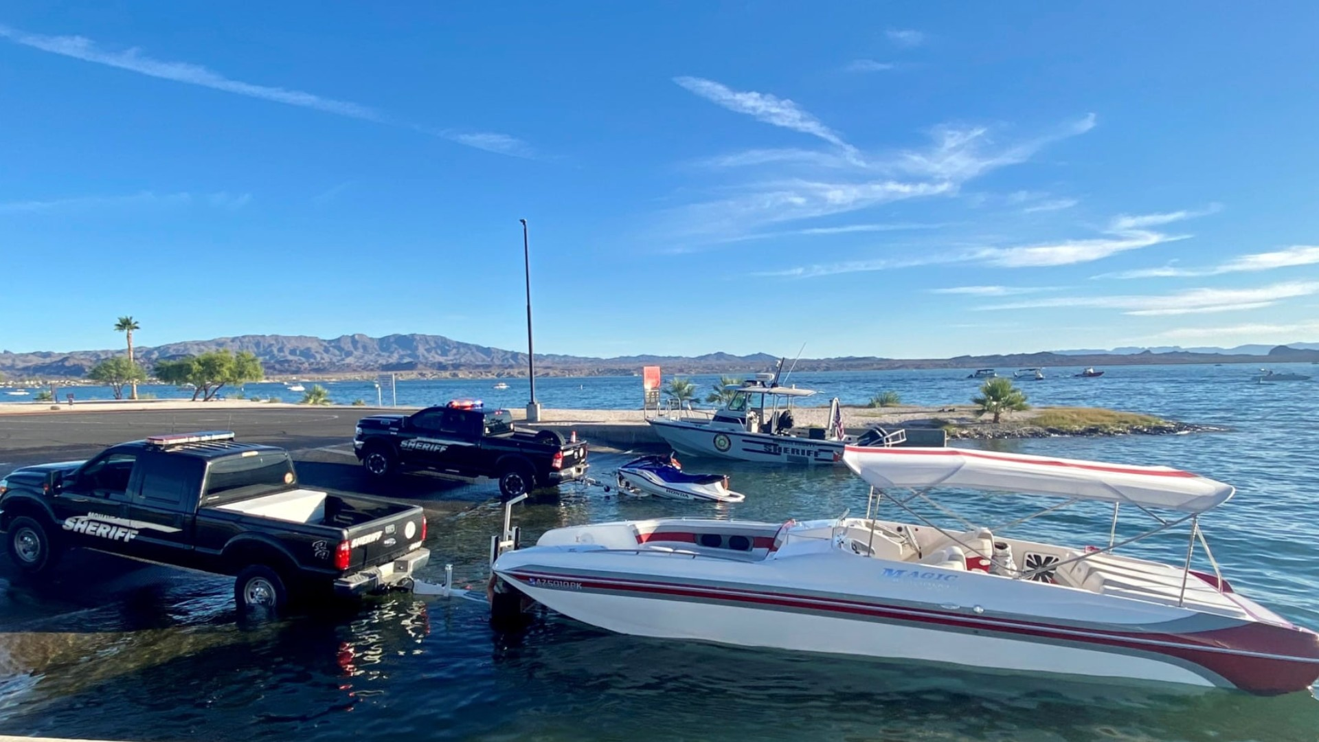 Authorities investigate a crash involving a boat on Lake Havasu that left a 16-year-old boy dead. (Mohave County Sheriff's Office)
