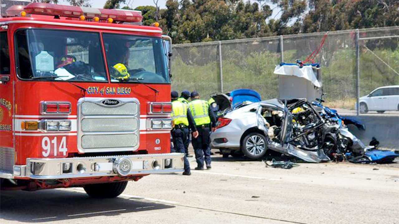 The scene of a wrong-way freeway crash on I-5 in the San Ysidro area of San Diego, which left three people dead including two police officers on June 4, 2021. (Jeff McAdam / KSWB)