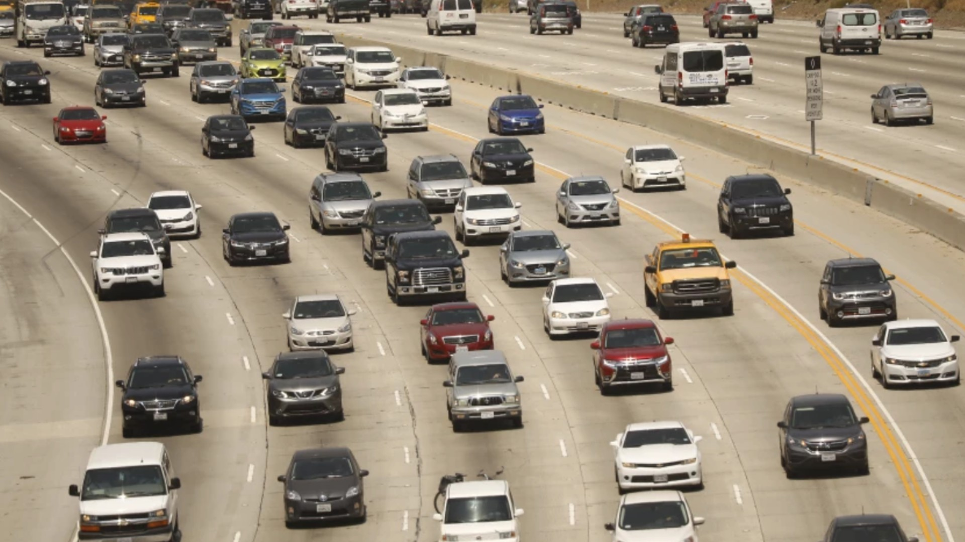 The 405 Freeway traffic in the Sepulveda Pass in Los Angeles in August 2018. (Al Seib/Los Angeles Times)