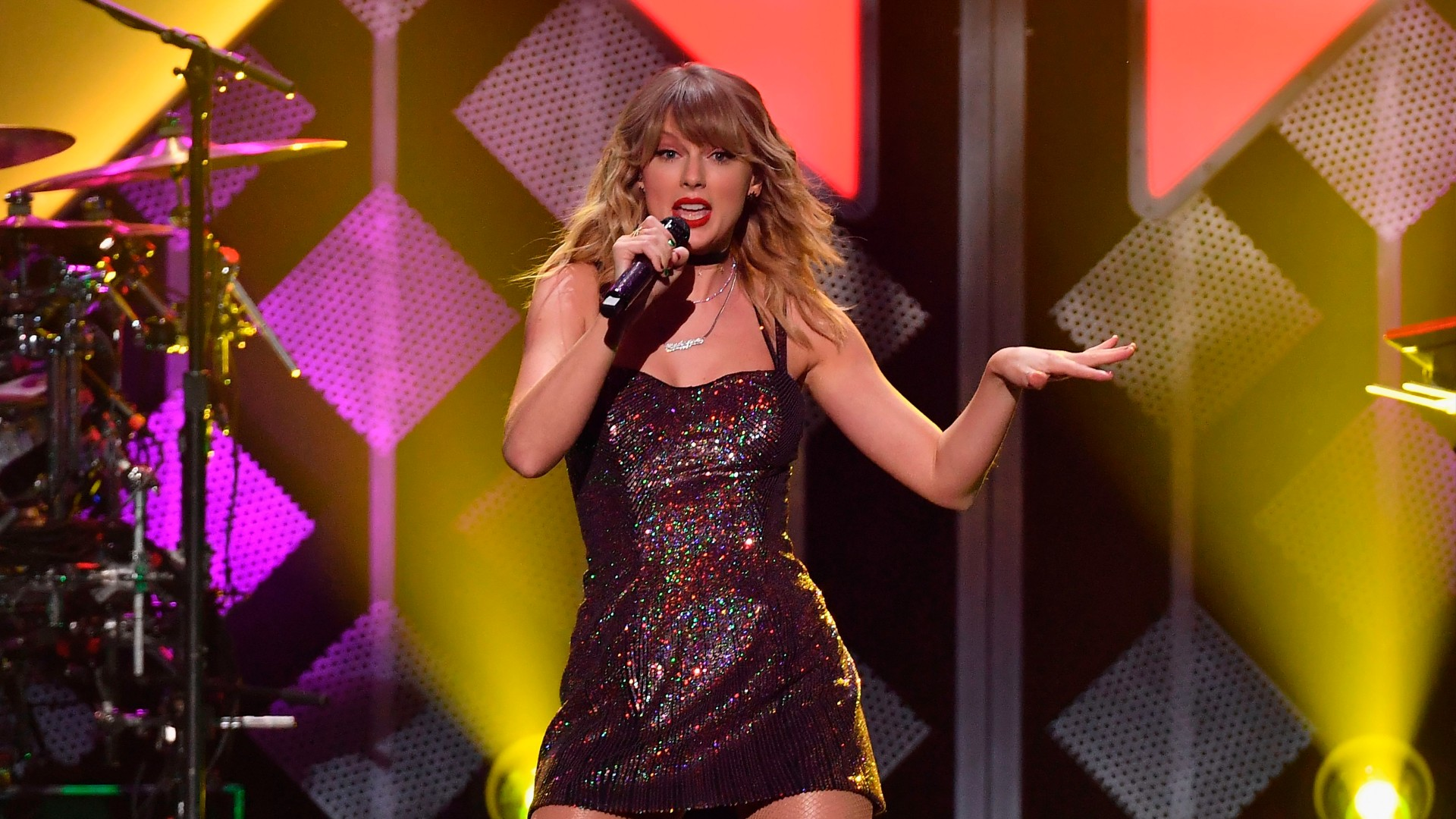 Taylor Swift performs onstage during the Z100's iHeartRadio Jingle Ball 2019 at Madison Square Garden in New York on Dec. 13, 2019. (ANGELA WEISS/AFP via Getty Images)