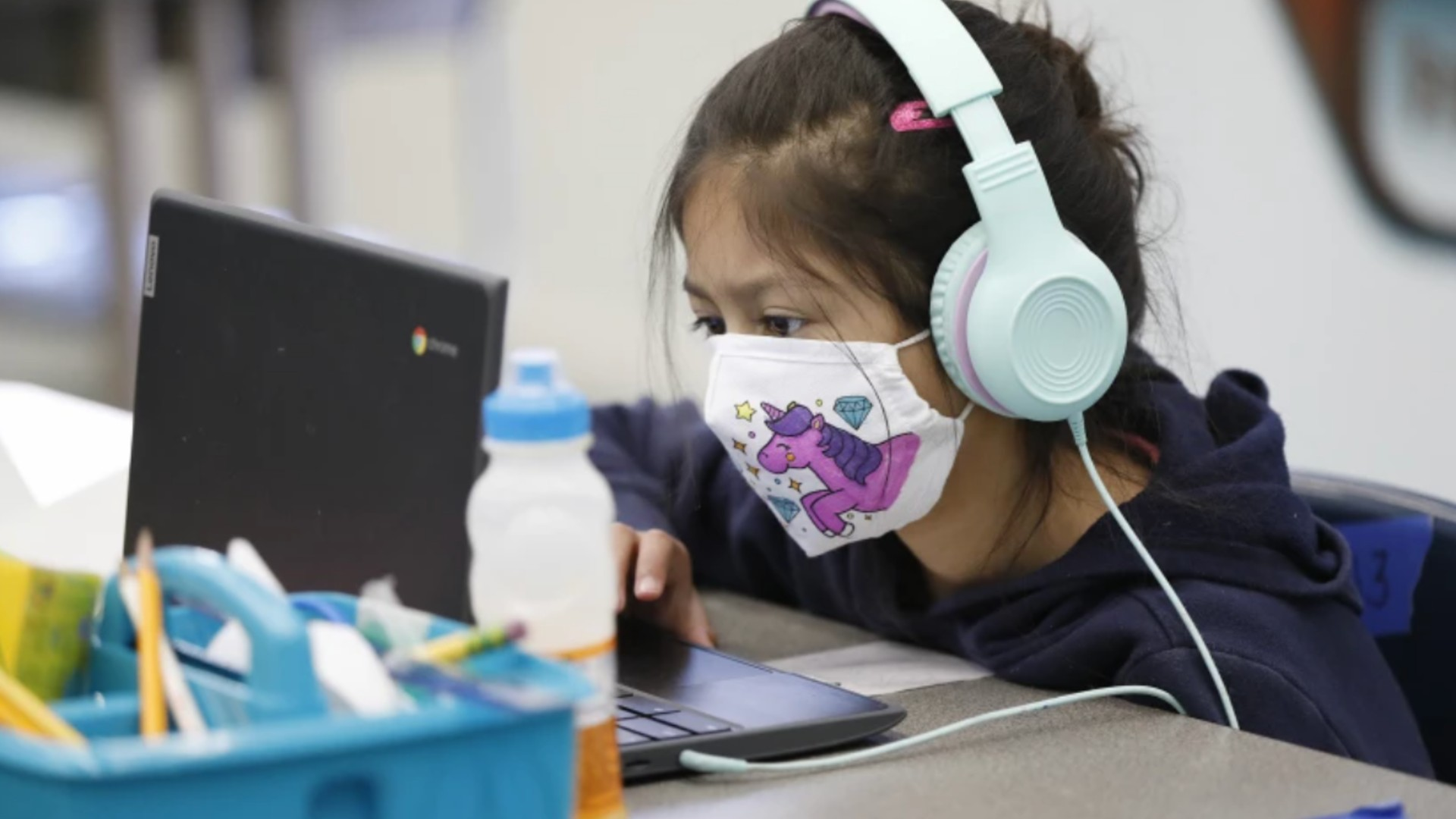 California students won't be allowed on campus in the fall if they refuse to wear masks, under state guidelines released in July,(Al Seib / Los Angeles Times)