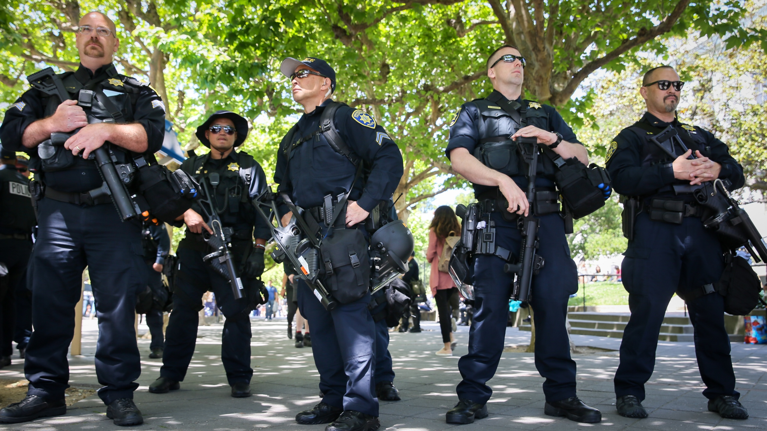 Officers form a line on the edge of the UC Berkeley campus on April 27, 2017 in Berkeley, California. (Elijah Nouvelage/Getty Images)