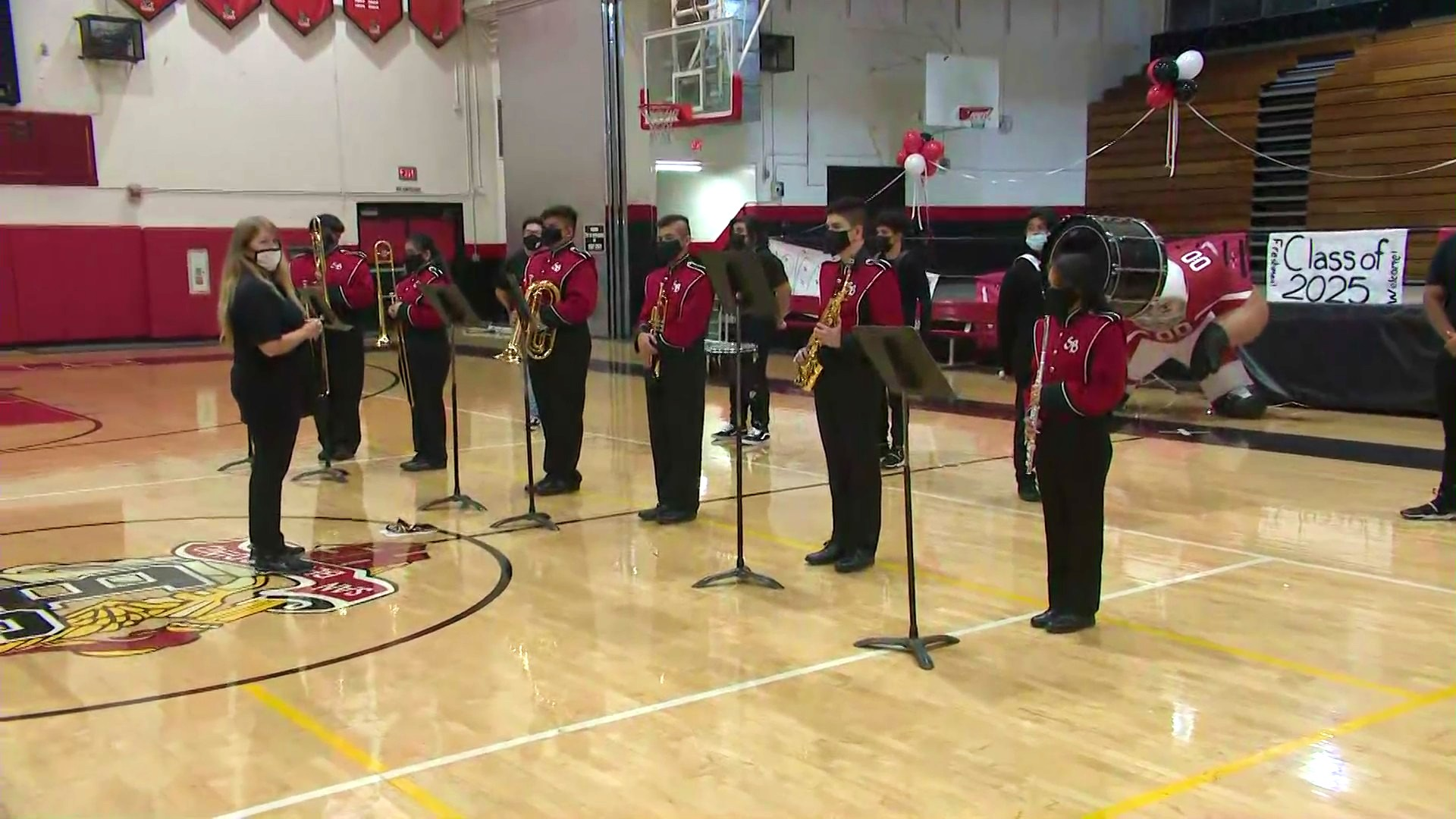 Band members perform as students prepare for the first day of in-person classes on Aug. 2, 2021. (KTLA)