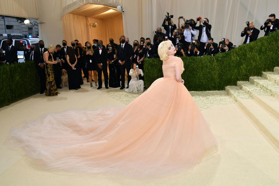 """US singer/songwriter Billie Eilish arrives for the 2021 Met Gala at the Metropolitan Museum of Art on Sept. 13, 2021 in New York. The 2021 theme is """"In America: A Lexicon of Fashion.""""(ANGELA WEISS/AFP via Getty Images)"""