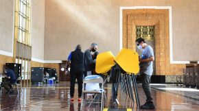 People vote at Union Station in Los Angeles on Sept. 14, 2021, in the recall election of California Gov. Gavin Newsom. (Frederic J. Brown / AFP / Getty Images)