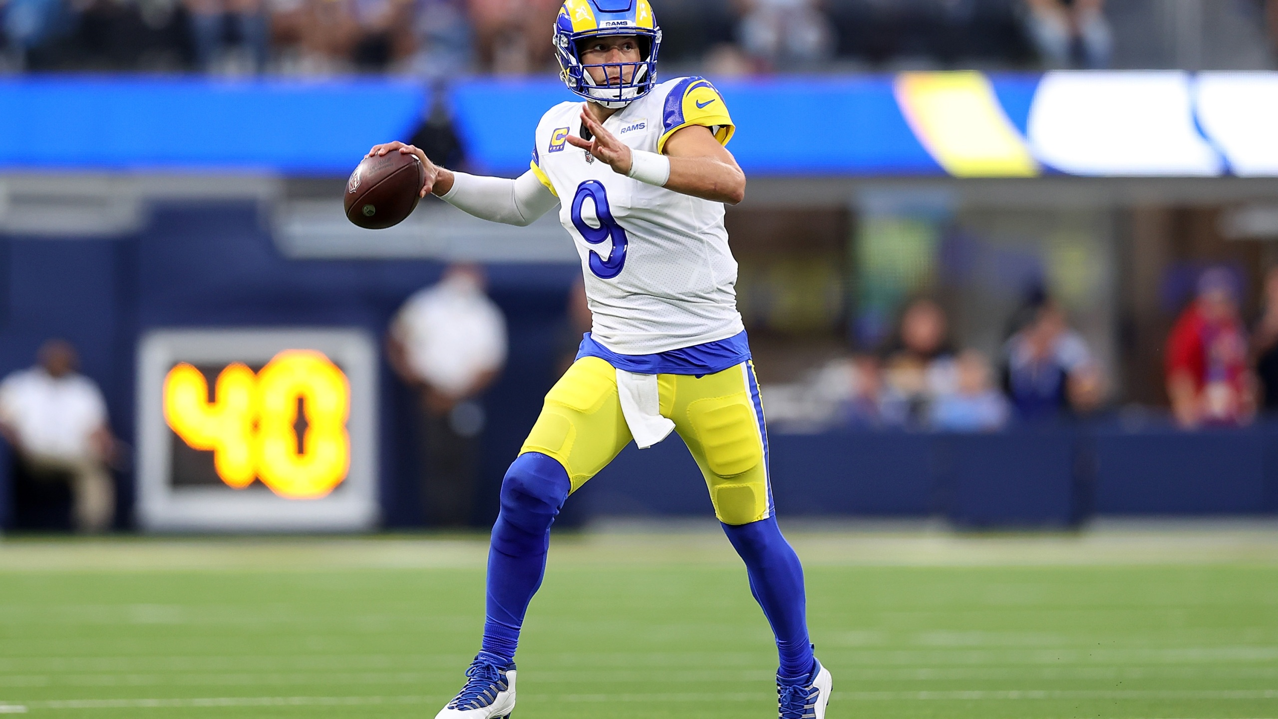 Matthew Stafford #9 of the Los Angeles Rams looks to pass during the first half against the Chicago Bears at SoFi Stadium on September 12, 2021 in Inglewood, California. (Ronald Martinez/Getty Images)