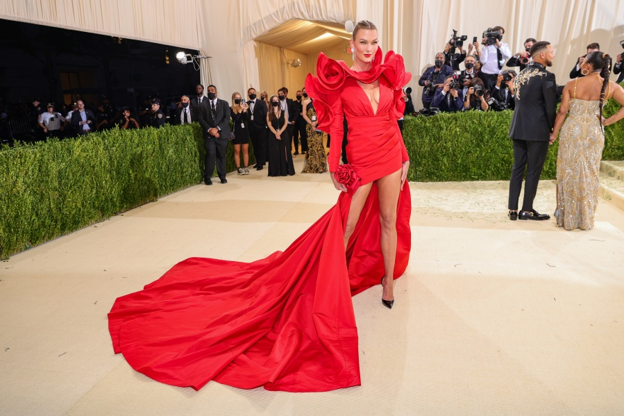 Karlie Kloss attends The 2021 Met Gala Celebrating In America: A Lexicon Of Fashion at Metropolitan Museum of Art on Sept. 13, 2021, in New York City. (Theo Wargo/Getty Images)