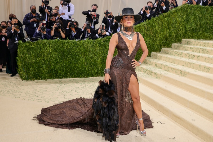 Jennifer Lopez attends The 2021 Met Gala Celebrating In America: A Lexicon Of Fashion at Metropolitan Museum of Art on Sept. 13, 2021 in New York City. (Photo by Theo Wargo/Getty Images)