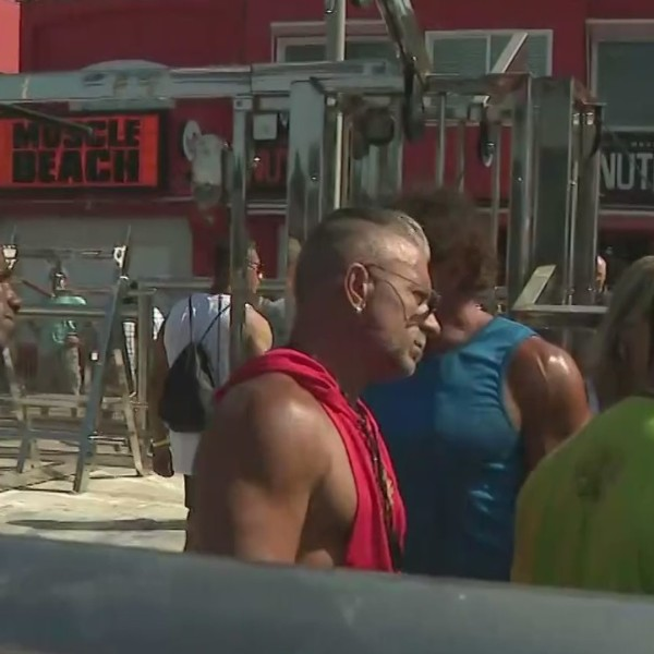 A line forms for the annual Muscle Beach Championship in Venice on Sept. 6, 2021. (KTLA)