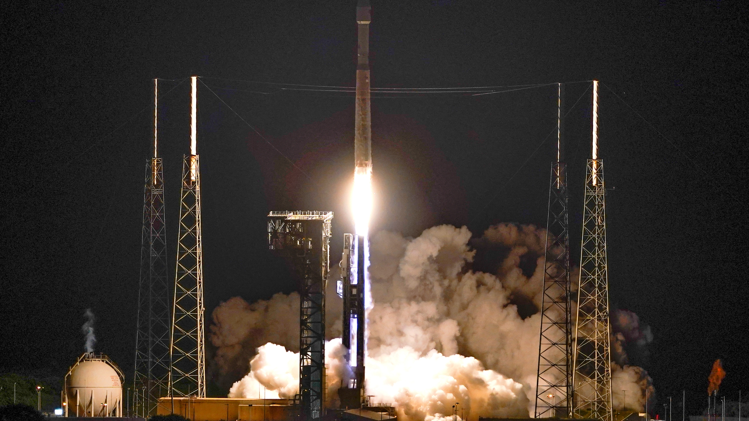 A United Launch Alliance Atlas V rocket carrying the LUCY spacecraft lifts off from Launch Complex 41 at the Cape Canaveral Space Force Station, Saturday, Oct. 16, 2021, in Cape Canaveral, Fla. (AP Photo/(John Raoux)