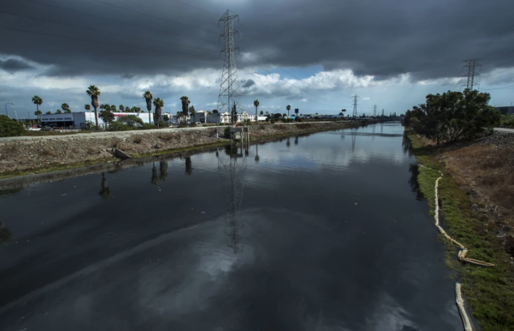 A view of the Dominguez Channel from Avalon Boulevard. A foul odor is emanating from the channel and public health officials are advising Carson residents to avoid prolonged outdoor activities between 9 p.m. and 8 a.m.(Mel Melcon / Los Angeles Times)