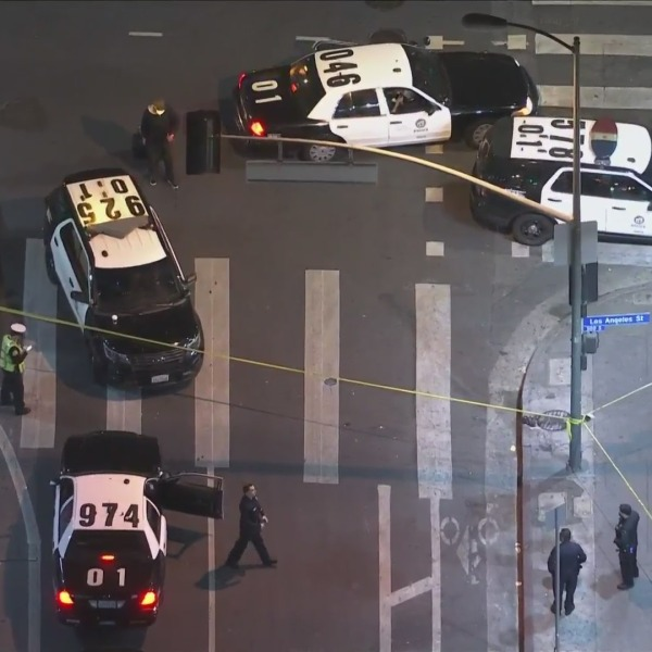 Authorities response to investigate a police shooting in downtown Los Angeles on Oct. 8, 2021. (KTLA)