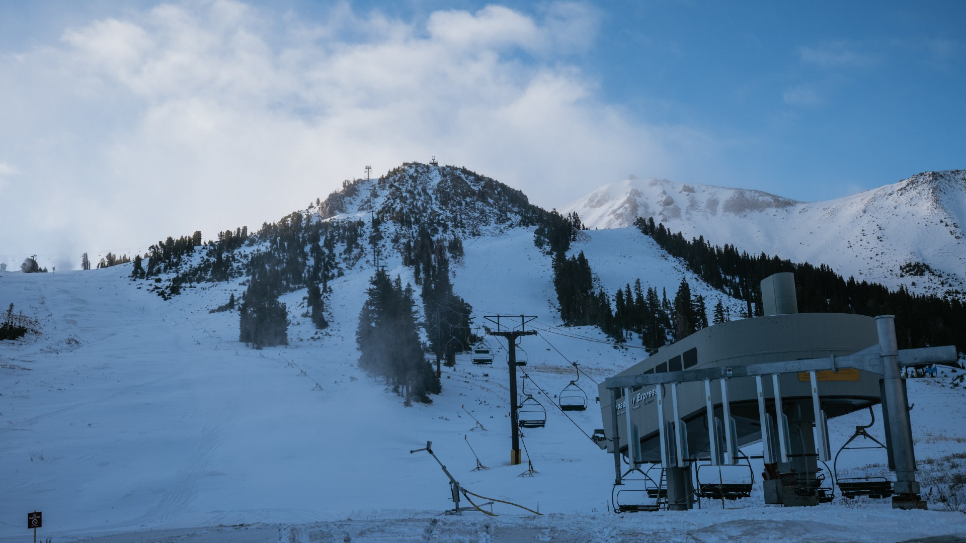 A Mammoth Mountain lift is seen on Oct. 18, 2021. (Peter Morning)