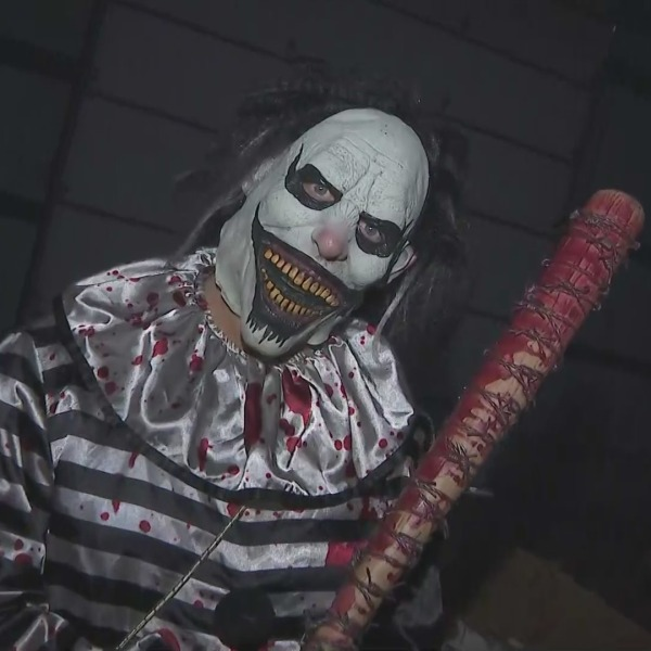 A fun-loving clown welcomes visitors to the Ventura County Fear Grounds. (KTLA)